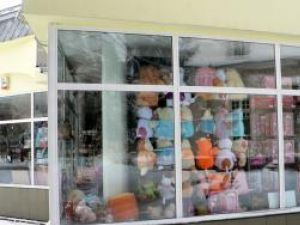 Fălticeni: Brazii şi jucăriile au rămas din belşug şi pentru Crăciunul pe Stil Vechi