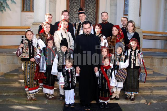 Preotul Mihai Cobziuc a lansat de curând un album audio cu colinde arhaice