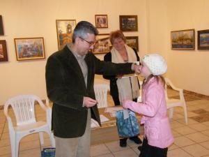 """Meşterii populari care au participat la concursul """"Bucovina se simte"""", premiaţi de liberalul sucevean Philip Rozopol"""