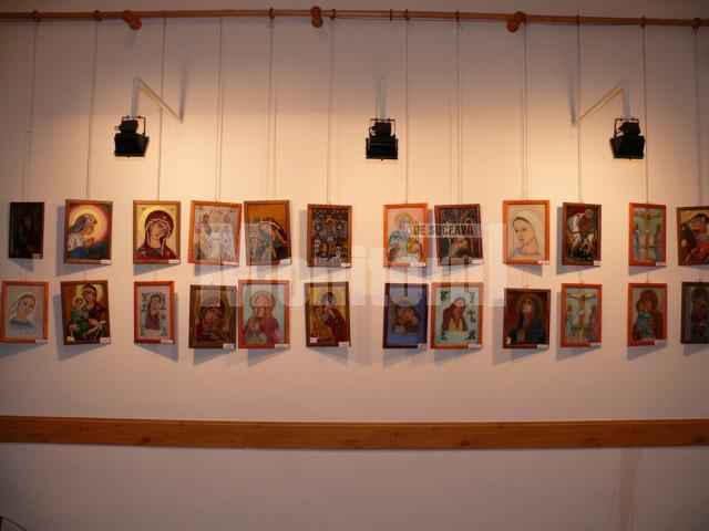 La Vatra Dornei au fost expuse 107 icoane cu Maica Domnului