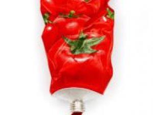 Ultima tendinţă în materie de îngrijire a pielii, un tub de pastă de tomate. Foto: FreshFood