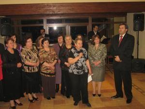 Secretarul de stat în Ministerul Turismului, Corneliu Popovici, alături de membri ai Asociaţiei pentru Turism Suceviţa