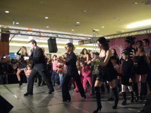 Lecţii de dans cu Andreea Bălan şi Bursucu