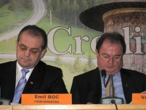 Emil Boc şi Vasile Blaga au anunţat ieri, la Suceava, că autorităţile locale şi judeţene sucevene vor beneficia anul acesta de sprijin financiar