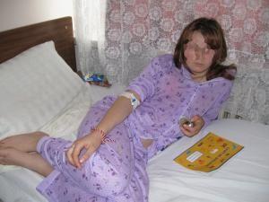Medicii spun că eleva nu a suferit răni grave în urma căderii de la înălţime