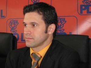 Petru Luhan deţine în prezent funcţia de administrator public al judeţului Suceava