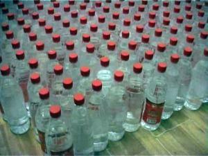 La o firmă din Suceava, aproape 250.000 de litri de alcool s-au evaporat pur şi simplu. Foto: www.analogtv.ro