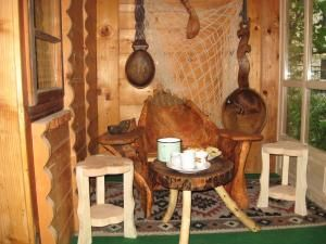 Interior din casa de lemn a familiei Benţa