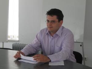 """Adrian Popescu: """"Aceste pastile conţin sibutramină, un derivat al amfetaminei, substanţă care se eliberează numai în regim special"""""""