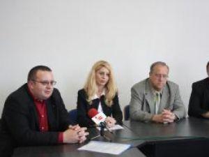 """Cei trei noi şefi şi-au preluat oficial mandatele de la subprefectul judeţului Suceava Eugen Girigan"""""""