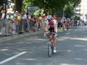 La sosirea cicliştilor participanţi la Turul României au fost prezenţi destul de puţini suceveni