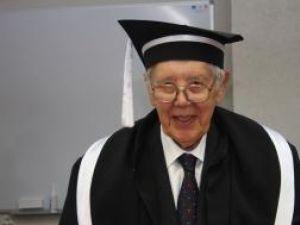 Eveniment: Lingvistul Paul Miclău, Doctor Honoris Causa al Universităţii Suceava