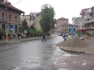 Haos în trafic la Câmpulung Moldovenesc