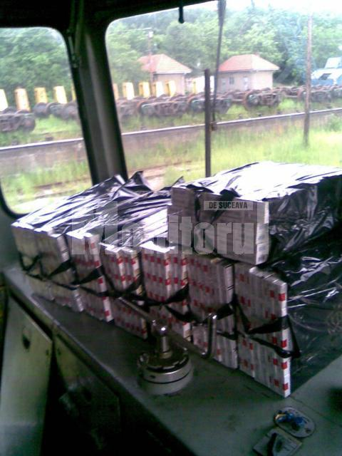 Aproape 3.000 de pachete de ţigări, ascunse în locomotive