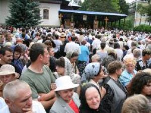 5.000 de pelerini au participat la slujba de priveghere la Mănăstirea Sf.Ioan