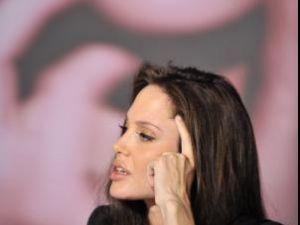 Angelina Jolie intră în politică