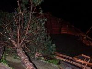 Imagini de coşmar la Rădăuţi, după furtuna de marţi seară