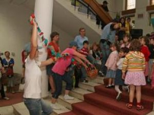 Muzeul de Istorie: Teatru şi expoziţie de păpuşi pentru copii