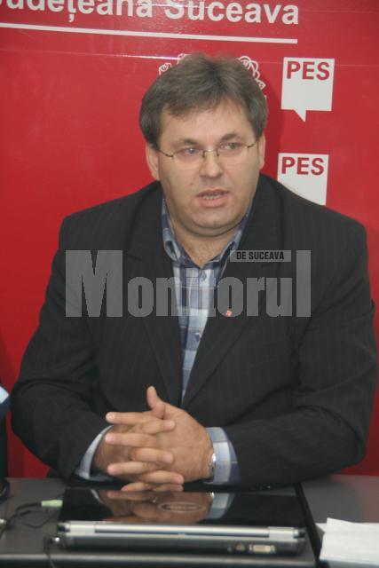 Atac: Social-democratul Corneliu Popovici se aruncă asupra conducerii PD-L a CJ Suceava