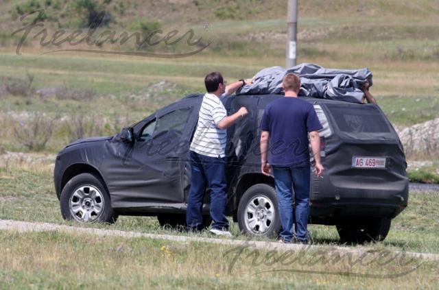 Dacia SUV Foto-spion. Sursa: Freelancer.ro