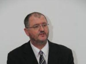 Rugăminte: Onofrei îl roagă pe Berceanu să verifice de ce pe DN17 sunt doar semafoare şi nu oameni la lucru