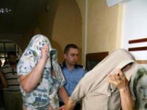 Agentul Daniel Jitari şi complicele său, agentul Toader Olari, în spatele gratiilor
