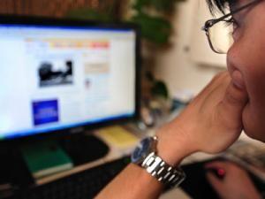 Plata online prin carduri bancare a crescut în prima jumătate a anului. Foto: MEDIAFAX
