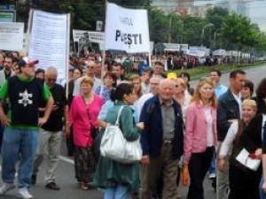 Aproximativ 5.000 de persoane au participat la  procesiune. Foto: MEDIAFAX