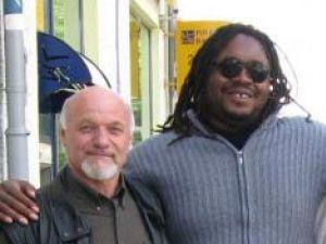 Ioan Bodnar şi pictorul nigerian Kingsley Nwabia