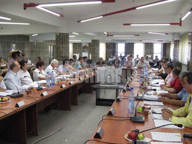 Consiliul Local Suceava a aprobat scumpirea apei şi canalizării