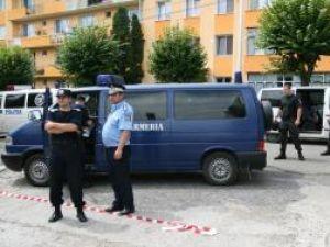 Zeci de jandarmi şi poliţişti i-au păzit geanta avocatei