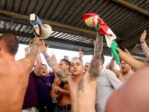 Suporterii formaţiei Ujpest. Foto: MEDIAFAX