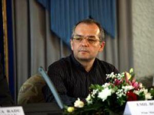 Emil Boc: Este o decizie voluntară, trebuie să se aplice din august şi până în decembrie. Foto: CAPP