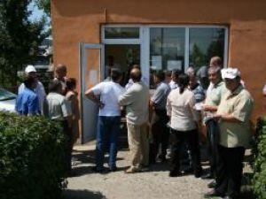 Foştii angajaţi au protestat ieri, nemulţumiţi că nu şi-au primit drepturile salariale, sporurile şi bonurile de masă