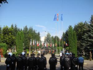 În Piaţa Drapelului: Ceremonial militar şi religios, de Ziua Imnului Naţional
