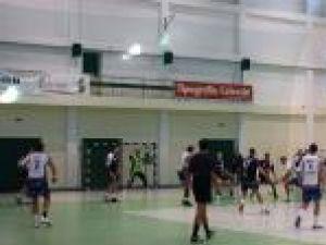 Meciurile cu Universitatea Cluj au arătat carenţele şi părţile bune ale echipei locale de handbal