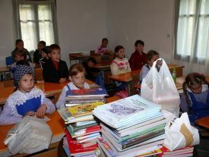 Şcolile din mediul rural care funcţionează cu un efectiv redus de elevi s-ar putea  desfiinţa