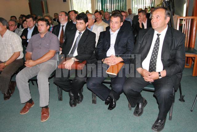 Mutări politice: Încă patru primari au trecut în tabăra PD-L