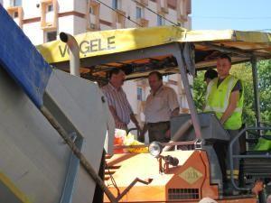 Preşedintele Consiliului Judeţean, Gheorghe Flutur, s-a aflat la Gura Humorului pentru a coordona lucrările de asfaltare executate de firma SCCF-Grup Colas