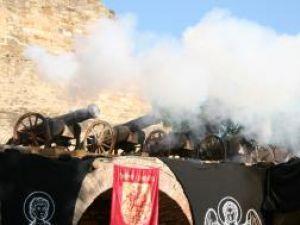 Salve de tun şi lupte cavalereşti în Cetatea Sucevei, la Festivalul Medieval