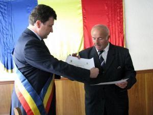 Primarul Gabriel Constantin Şerban şi colecţionarul Ion Grămadă