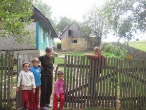 Familia Ilincan trăieşte într-o zonă izolată, în sărăcie lucie