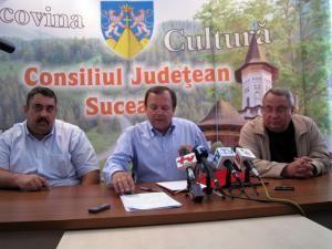 S-a semnat contractul pentru modernizarea drumului judeţean Vatra Dornei-Şaru Dornei-Panaci
