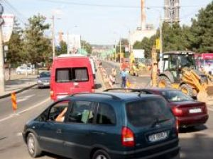 Trafic de coşmar pe Calea Unirii, după ce un sens de circulaţie a fost blocat