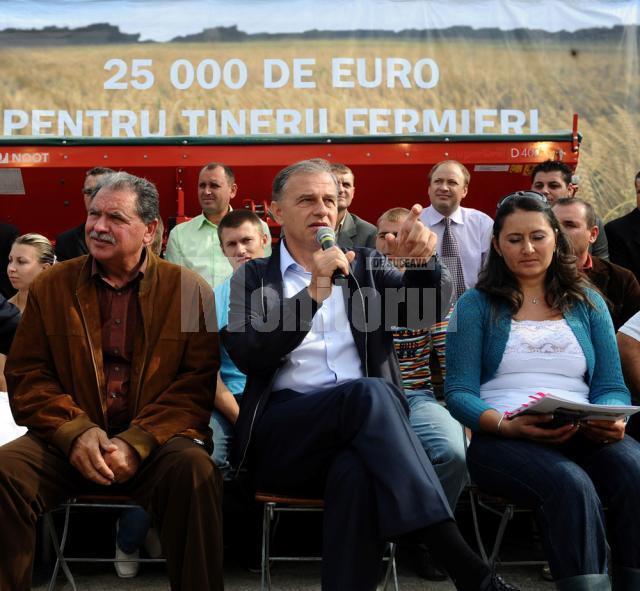 """Mircea Geoană: """"Proiectul cu cei 25.000 de euro de care am vorbit în 2008, şi multă lume a zâmbit, este un proiect adevărat"""""""