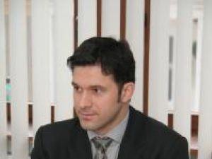 """Petru Luhan: """"Mai am în lucru un proiect care va fi realizat în Suceava pentru promovarea instituţiilor europene"""""""