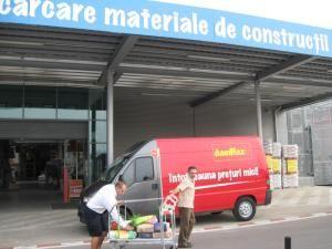 Clienţii magazinului de bricolaj Baumax beneficiază începând de astăzi de transport gratuit pentru materialele