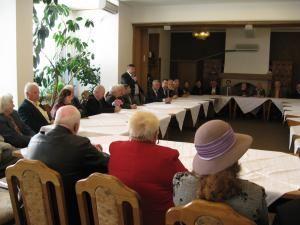Primarul Ion Lungu, respectiv deputatul Ioan Balan, la Ziua internaţională a persoanelor vârstnice