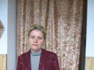 Maria Pleşca, femeia aflată în fruntea localităţii, cu soţ poliţist, a fost atacată în propria casă
