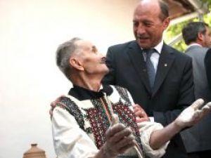 Traian Băsescu şi-a anunţat intenţia de a candida pentru un nou mandat de preşedinte. Foto: MEDIAFAX
